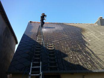 Nettoyer toiture amiante