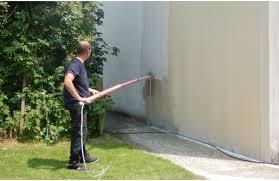 quel produit pour nettoyer une façade de maison