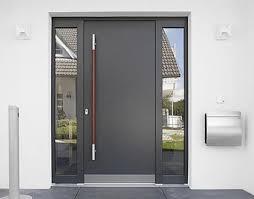 Laquelle est la plus accueillante : une porte en PVC ou une porte en alu ?