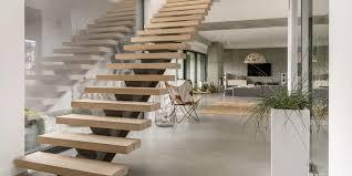 Cloisonner sa cadre d'escalier avec des verres : un design parfait !